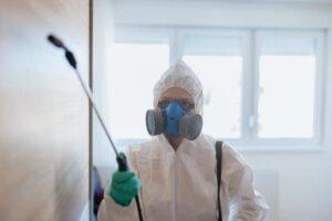 عامل للنظافة في جدة